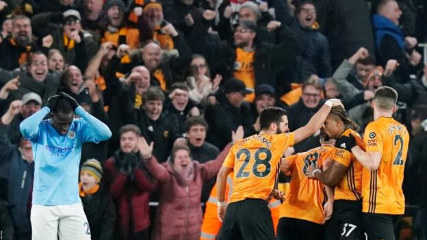 Wolverhampton Wanderers 3-2 Manchester City: Nuno's side seal late win against 10 men