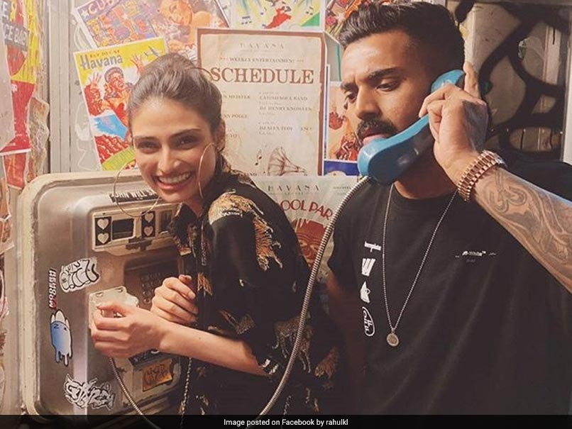 Suniel Shetty Reacts To Daughter Athiya's Picture With KL Rahul