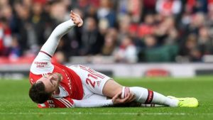 Calum Chambers: Arsenal centre-back out for up to nine months with ruptured ACL