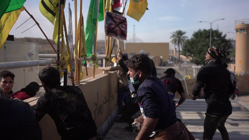 US embassy attack: Protesters withdraw after standoff in Iraq